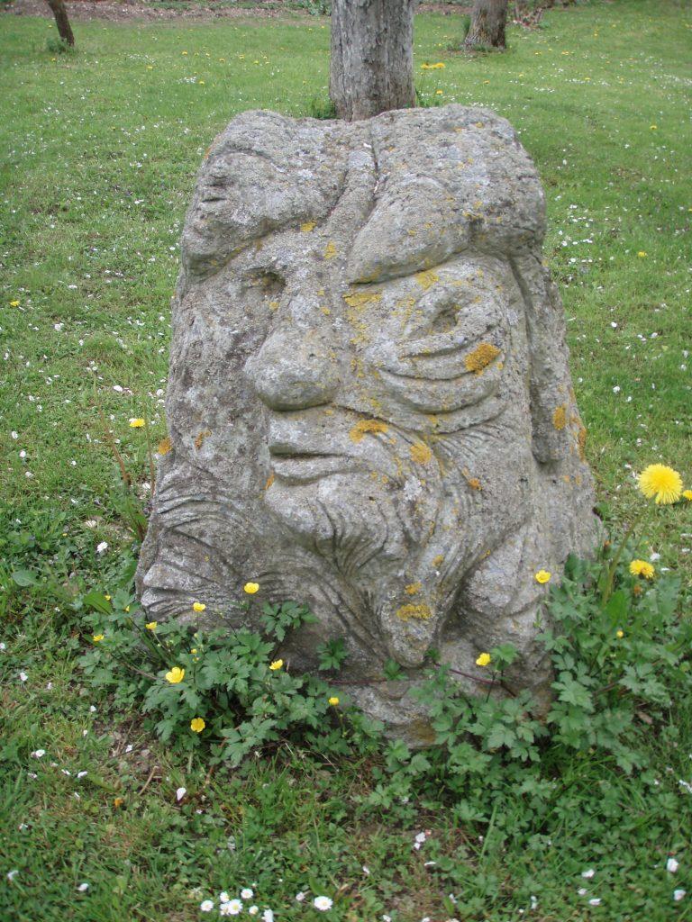 QUASIMODO, tufa, 100 x 60 x 60 cm, 1988